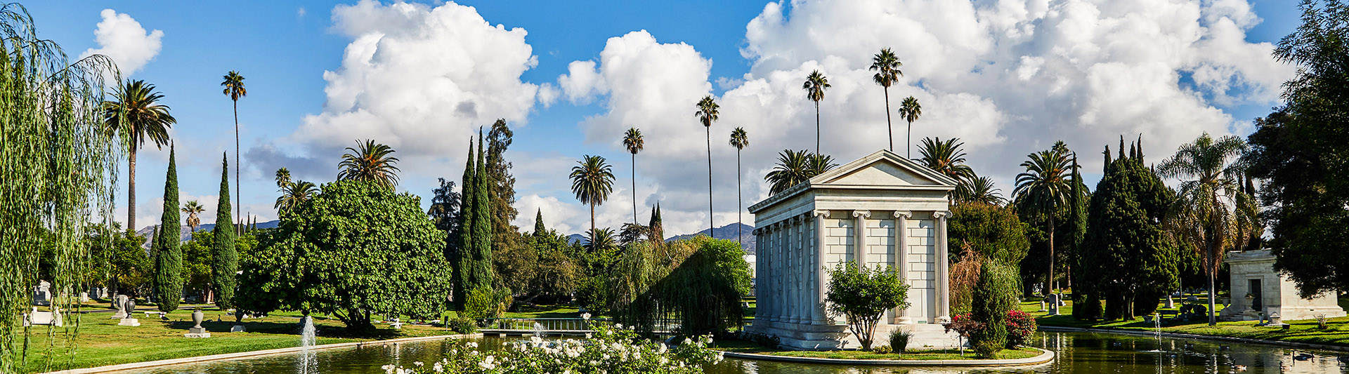 Hollywood Forever Cemetery, Cemetery